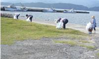 浜の清掃クリーンアップ